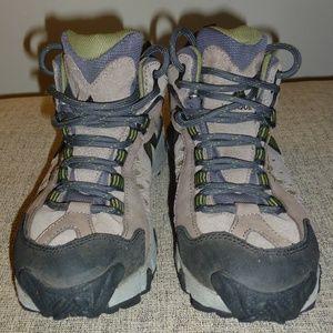 Vasque Men's Kota Mid XCR 7386 hiking boots - Sz 8